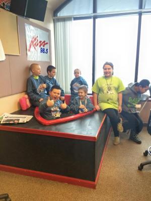 Forestville Elementary Students at the Kiss 98.5 Studio